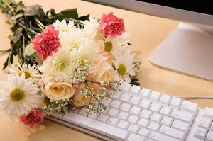 Why should we choose online delivery for flowers?
