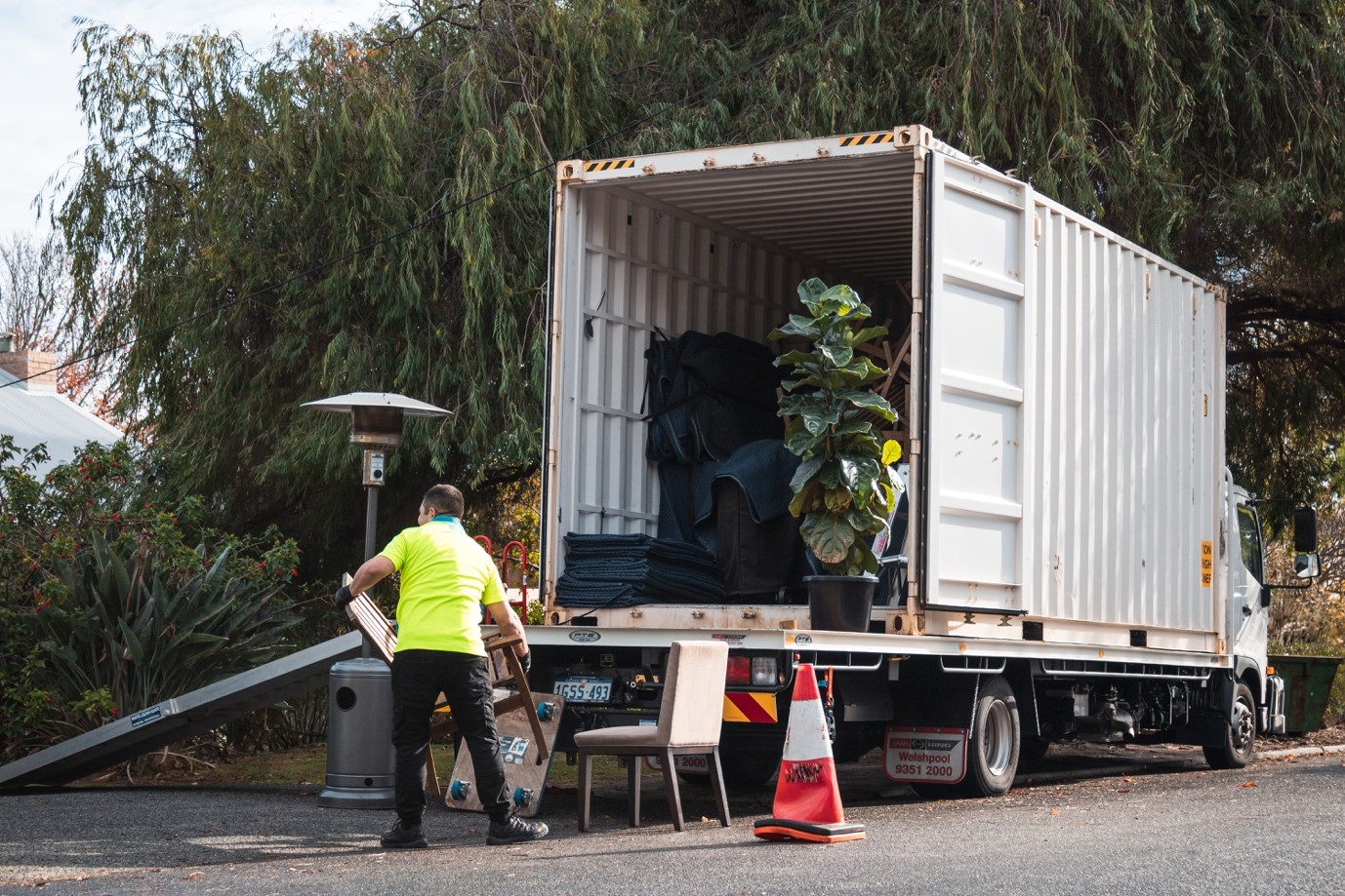 Top 5 Reasons To Go For A Professional Furniture Removal Company | GENERAL  NEWS